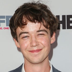 Alex Lawther 5 of 5