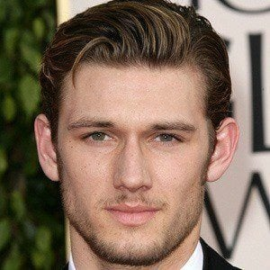 Alex Pettyfer 5 of 10