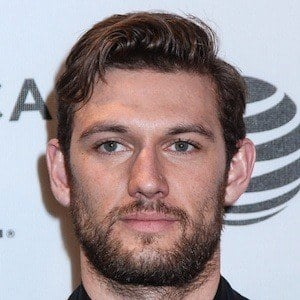 Alex Pettyfer 6 of 10