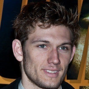 Alex Pettyfer 8 of 10