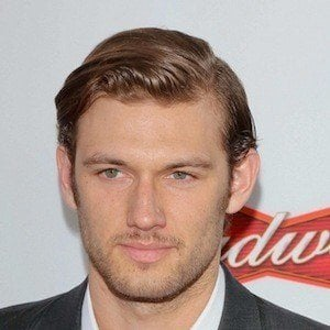 Alex Pettyfer 9 of 10