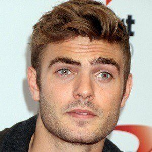Alex Roe 2 of 5