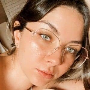 Alexa Archundia Headshot 10 of 10