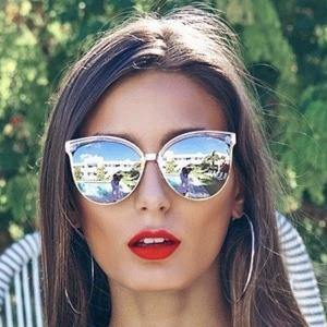 Alexa Ferrer 5 of 7