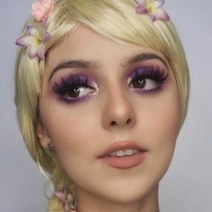 Alexa Gabriella Headshot 8 of 10