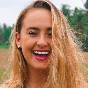 Alexa Luria 2 of 5