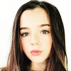 Alexa Nisenson 5 of 6