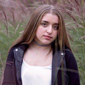 Alexa Turner 2 of 6