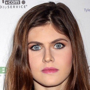 Alexandra Daddario Bio Facts Family Famous Birthdays