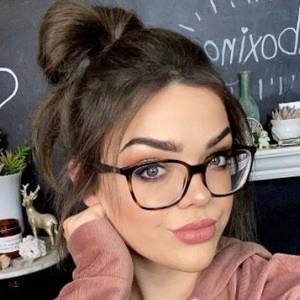 Alexandria Ryan Headshot 9 of 10