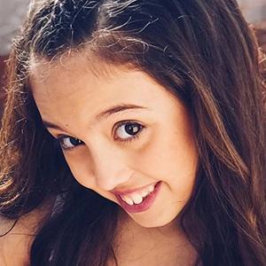 Alexia Castillo 3 of 6
