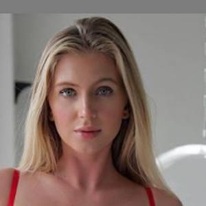 Alexis Clark Headshot 10 of 10