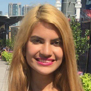 Alexis Hanoman 5 of 7
