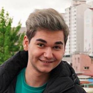 Ali Ertuğrul Öztarsu Headshot 4 of 5
