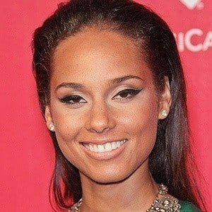 Alicia Keys 4 of 10