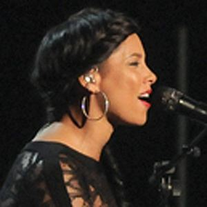 Alicia Keys 9 of 10
