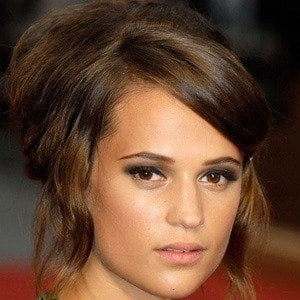 Alicia Vikander 5 of 8