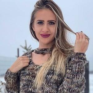 Alina Madalina Badasu 4 of 5