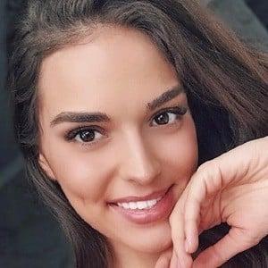 Alina Goncharova 2 of 2