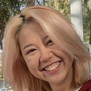 Alina Kim Headshot 6 of 10