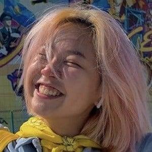 Alina Kim Headshot 9 of 10