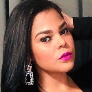 Alina Vargas 3 of 5