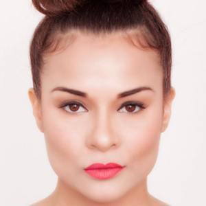 Alisa Reyes 3 of 10