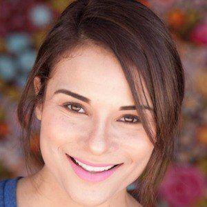 Alisa Reyes 4 of 10