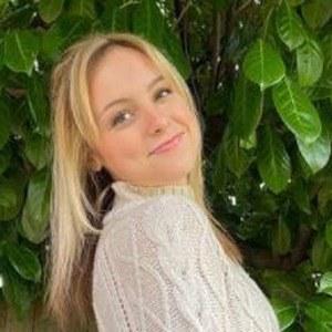 Alissa Gustafson Headshot 4 of 10