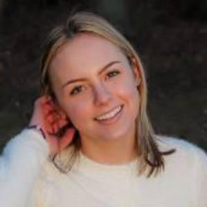 Alissa Gustafson Headshot 5 of 10