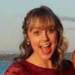 Alissa Gustafson Headshot 7 of 10