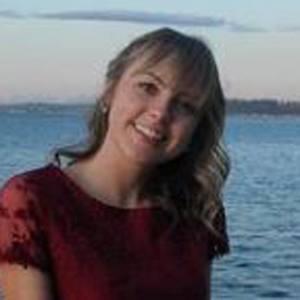 Alissa Gustafson Headshot 9 of 10