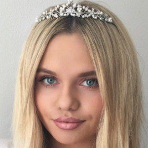 Alli Simpson 10 of 10