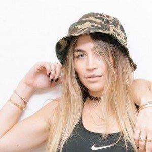 Allie Kaplan 2 of 9