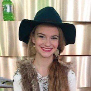 Allie Lunt 3 of 10