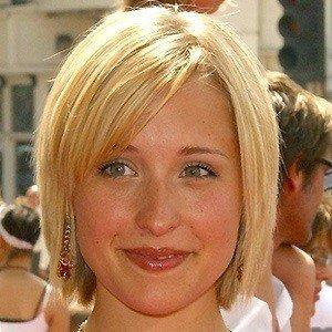 Allison Mack 4 of 5