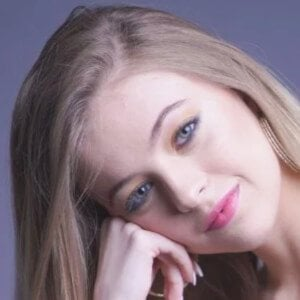 Alma Giuliano 2 of 10