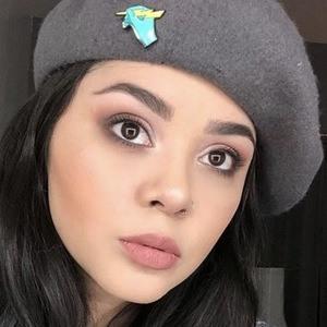 Alyssa Bernal 6 of 6