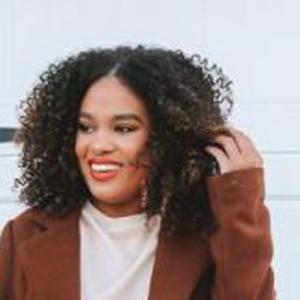 Alyssa Marie Headshot 9 of 10