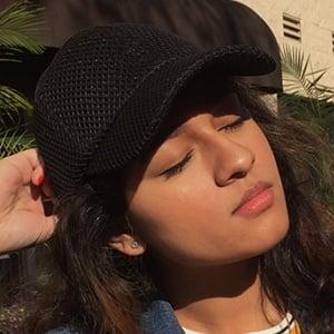 Alyssa Raghu 6 of 6