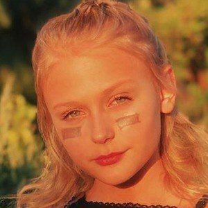 Alyvia Alyn Lind 2 of 10