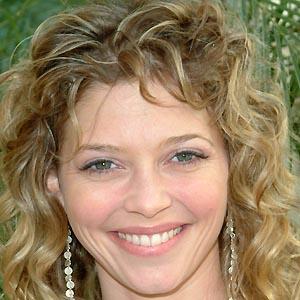 Amanda Detmer 2 of 5