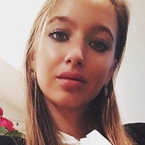 Amanda Linnea 3 of 6