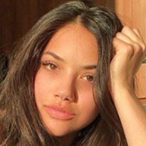 Amanda Lopez Headshot 5 of 5