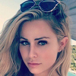 Amanda Lynn 6 of 8