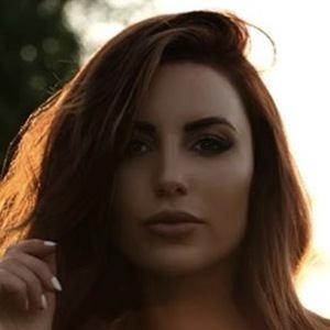 Amanda Ashlee Mertz 3 of 6