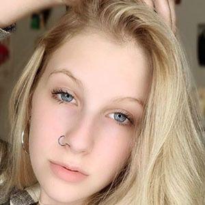 Amanda Michelle 4 of 5