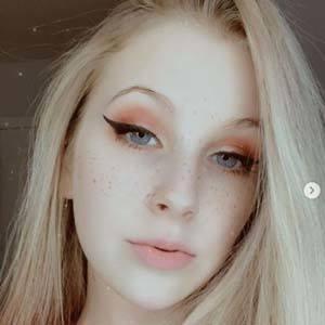 Amanda Michelle 8 of 10