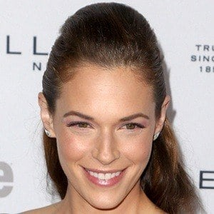 Amanda Righetti 7 of 9