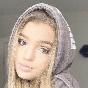 Amanda Schánz 6 of 10